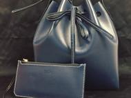 藏青色水桶包