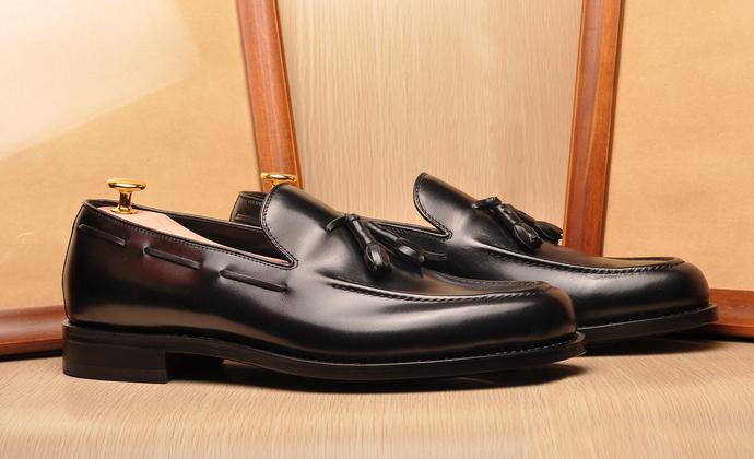 乐福鞋,带流苏装饰,经典固特异工艺。