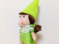 尖尖帽小绿--你的头发跟我的一样多