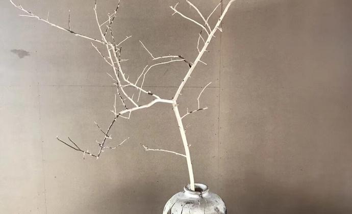 来自大理剑川新派木雕匠人作品原木花瓶花器摆件