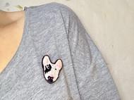 牛头梗刺绣胸针