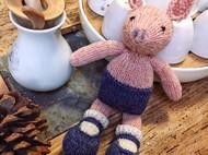 棒针手编玩偶——猪猪女孩