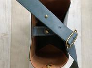 #哈士奇的哈士皮#手工制作简约水桶包
