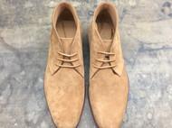 稳重的沙漠靴