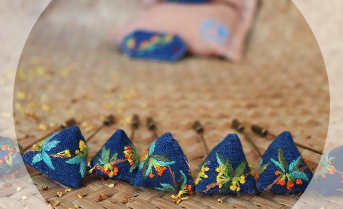桂花季系列  桂花小胸针 手工刺绣 填充干桂花