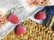 手工刺绣草莓