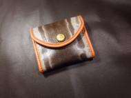 小包,放卡、零钱、小物件都可以。