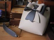 蝴蝶结水桶包