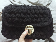 又是编织包