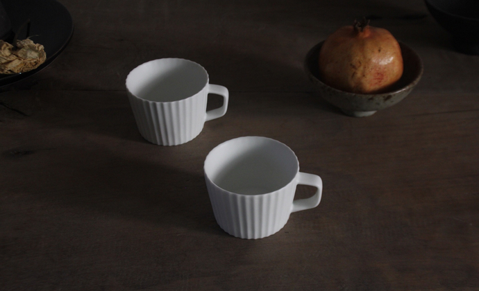 手工竖条纹咖啡杯——羊脂白