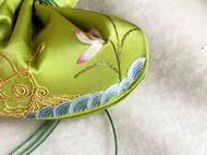 真丝绿色绸缎手绣荷包盘金绣