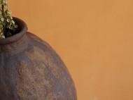 手捏陶土罐子