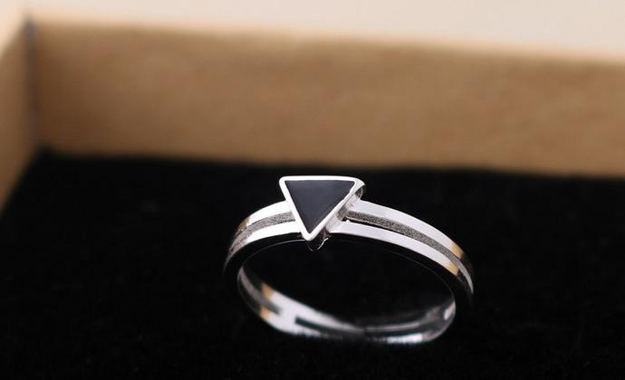 valentina925纯银戒指素银烤漆小三角双圈戒指开口可调节男女同款欧美范