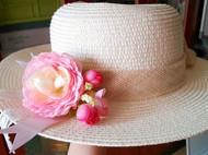 虞美人开满的山坡之夏天的草帽花