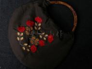 手工刺绣藤木手挽提包