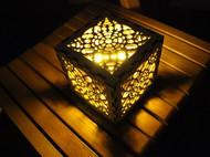 制作一个彩色的木制灯笼
