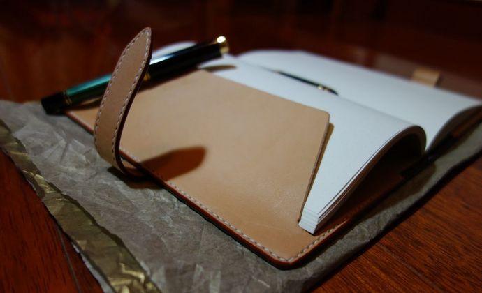 手工意大利特A透染墨绿色及原色植鞣革A5笔记本