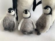 呆萌的羊毛毡帝企鹅幼崽 一个小时之内「羊毛毡仿真动物博物馆」