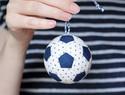 DIY拼布教程:手缝一只迷你足球挂饰