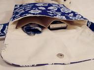 蓝色印花背包