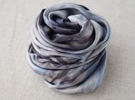 五倍子和蓝靛染的丝巾