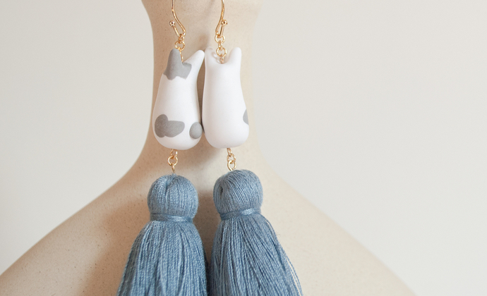 teatime  灰白色兔萌 与 灰蓝色流苏  哑光 耳环耳夹