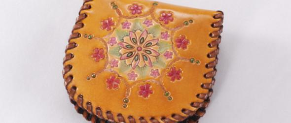手工皮雕教程:制作一个日系风格的皮雕零钱包教程