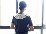 旧事新款文艺圆领纯色修身原创复古古典风格布蕾丝领深灰色T恤