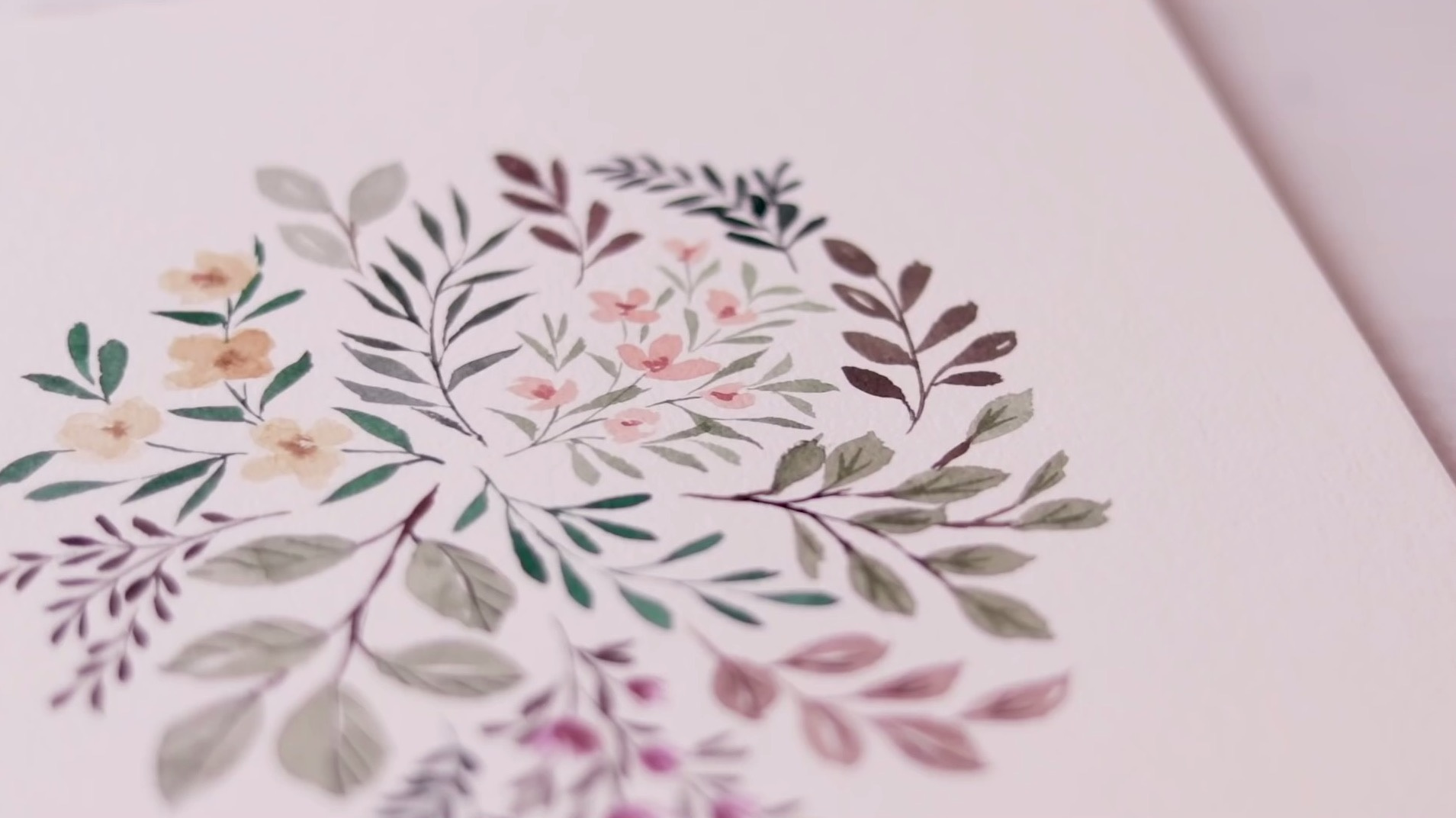 水彩画手绘视频:不同色彩的花卉与叶子组合