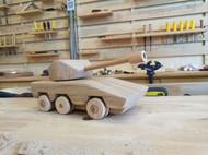 做快乐的小木匠!教零基础小朋友做实木坦克轮式装甲车