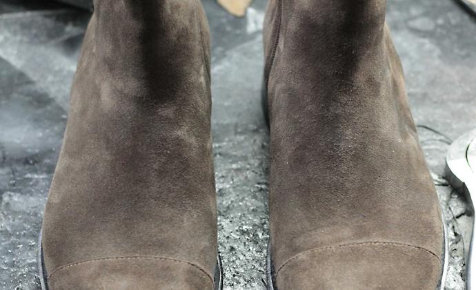 禁欲系切尔西靴 松紧带套筒 属于时尚款 可选择皮底或者vibram底