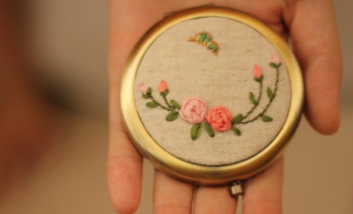 「郵差手作」|Jarden秘密花园真丝丝带绣化妆镜随身镜 礼物