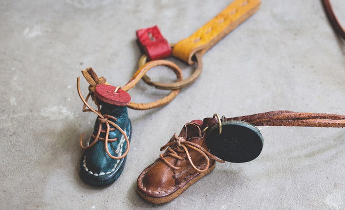 小鞋子钥匙扣/项链
