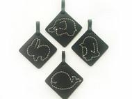 原创手缝手工植鞣革染色黑色小动物钥匙扣