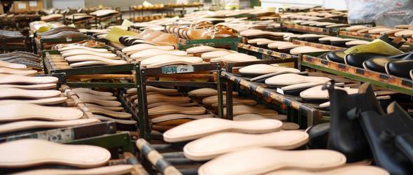 围观100多年历史的英国Loake Shoemakers手工鞋制作工厂