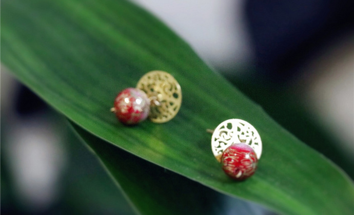 日本进口树脂珠、美国进口14K包金(保色不过敏)、18K铜镀金。