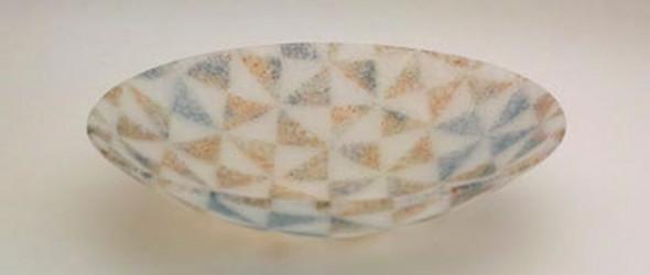 kauri toda:传统工艺玻璃中的光和色彩