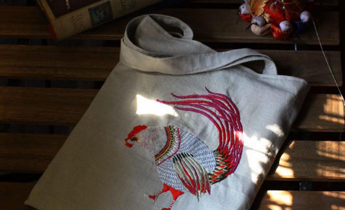 【骄傲的公鸡】手工刺绣书袋手工布艺ipad手提袋环保袋便携袋棉麻