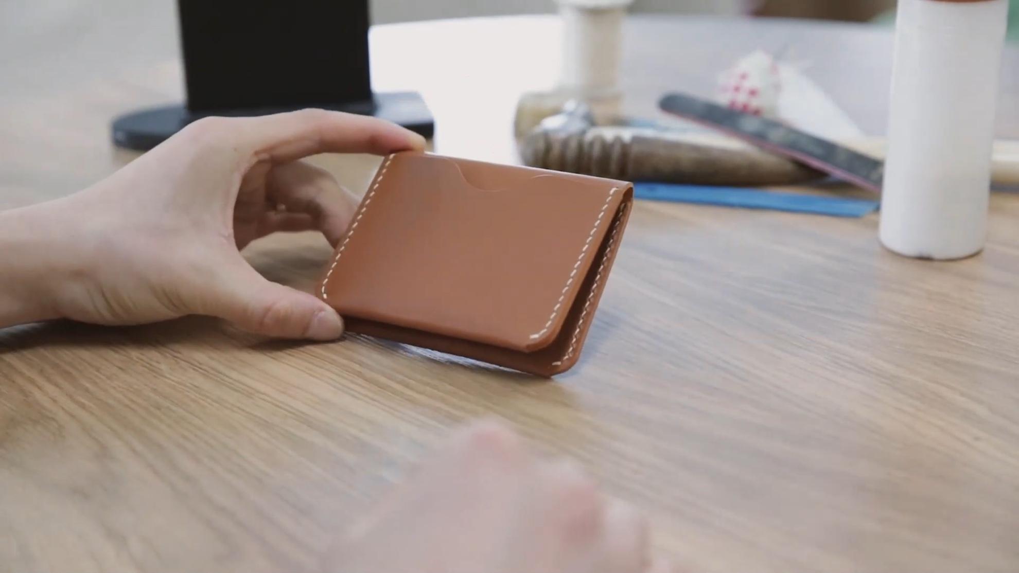 DIY手工制作对折卡包制作过程视频
