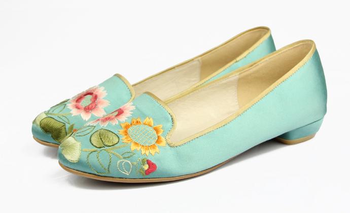 祖母绣堂 向阳花手绣真丝缎面吸烟鞋 设计师品牌
