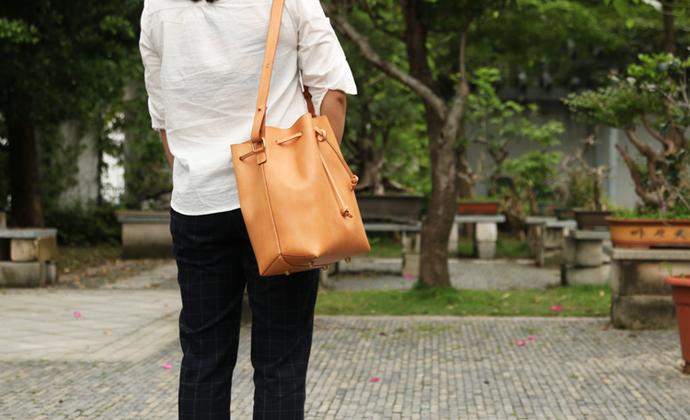 不期而遇UNFORSEEN丨纯手缝制作 水桶包 头层植鞣革 包包 单肩包