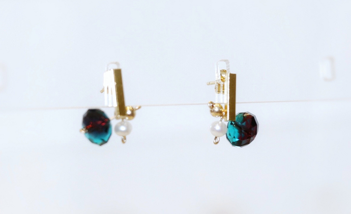 【优雅气质】楠楠小张漫生活小众设计简约耳钉女耳环蓝绿水晶