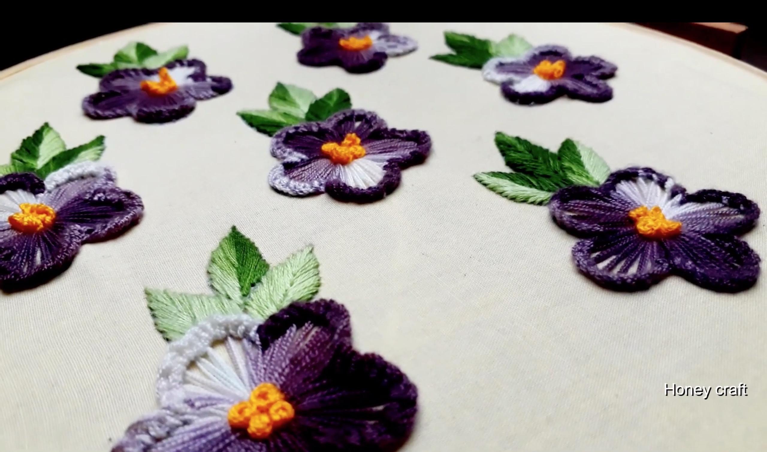 手工刺绣视频教程:手绘清新立体的花卉