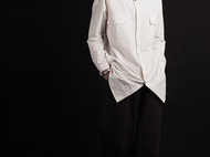 白色纯棉刺绣工装版长袖女衬衫