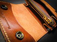意大利植鞣革 复古军事风格 大容量风琴零钱包 表面做旧效果