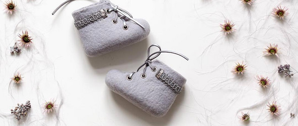 温暖而可爱的羊毛毡小鞋子 - 立陶宛设计师 Vaida Petreikis 手工制作的羊毛毡作品