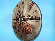 """""""战争与和平""""主题机械钟"""