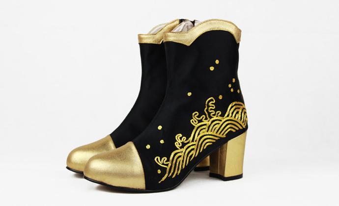 ZUMU'SHOW水浪纹手工盘金绣小羊皮短靴 金色