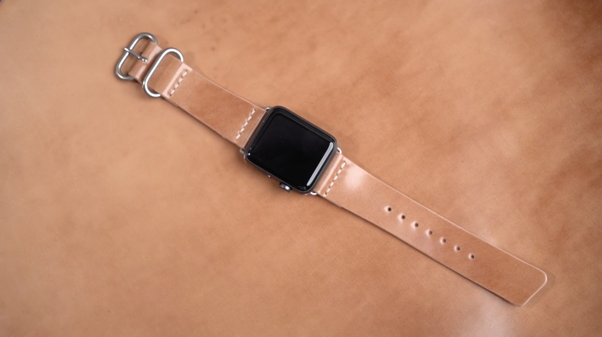 手工皮革DIY视频教程:Apple Watch苹果手表马臀皮表带制作过程