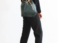 【烏野】手缝皮革 墨绿 细水波纹 水桶包
